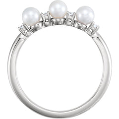 WOW Pearl Fashion | 14K Freshwater Cultured Pearl & .06 CTW Diamond Ring