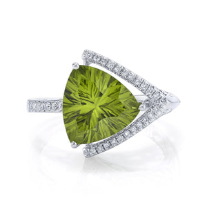 TVON - 3.33Cts Trillion Concave Natural Peridot Gemstone and Diamond - Signature Design Ring for Women in 14K Gold with Prong Setting - R10143 - 1