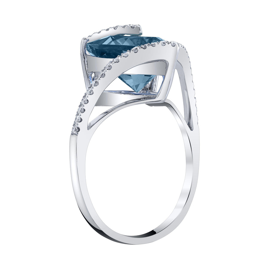 14K 4.50 Cts London Blue Topaz 0.27 Cttw VS Diamond Ring - TVON.com
