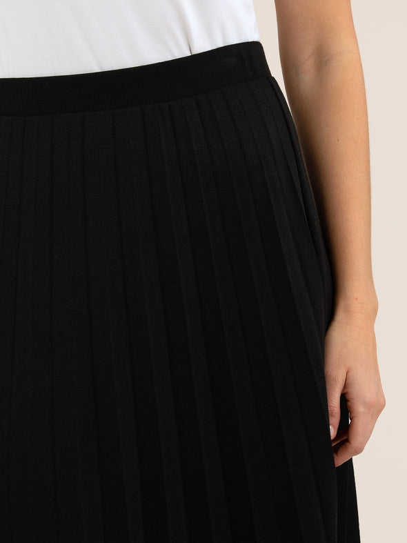 Yarra Trail '9170' Skirt - Black