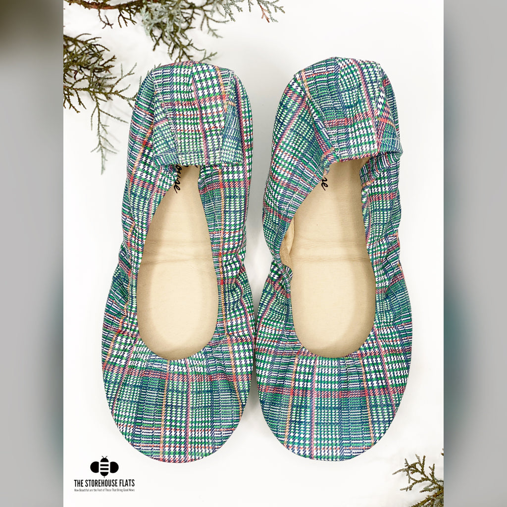 Merry Mistletoe | IN-STOCK - The Storehouse Flats