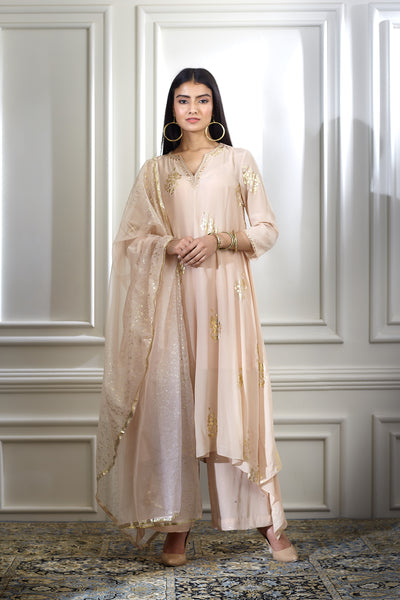 Mandira Wirk_NUDE BEIGE FOIL PRINTED EMBELLISHED KURTA PAIRED WITH PALAZZO AND DUPATTA