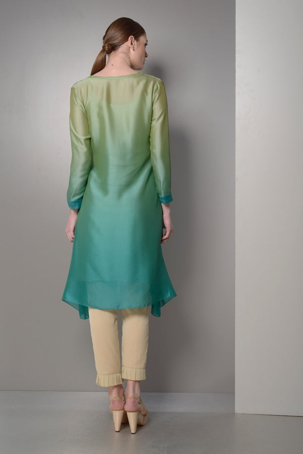 OMBRE KURTA WITH ASYMETRICAL HEM WITH FRONT PLEATS