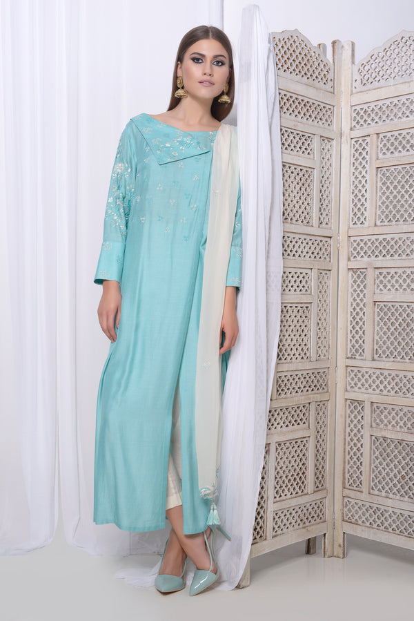 Embroidered double breasted kurta with crop narrow pants and embroidered dupatta