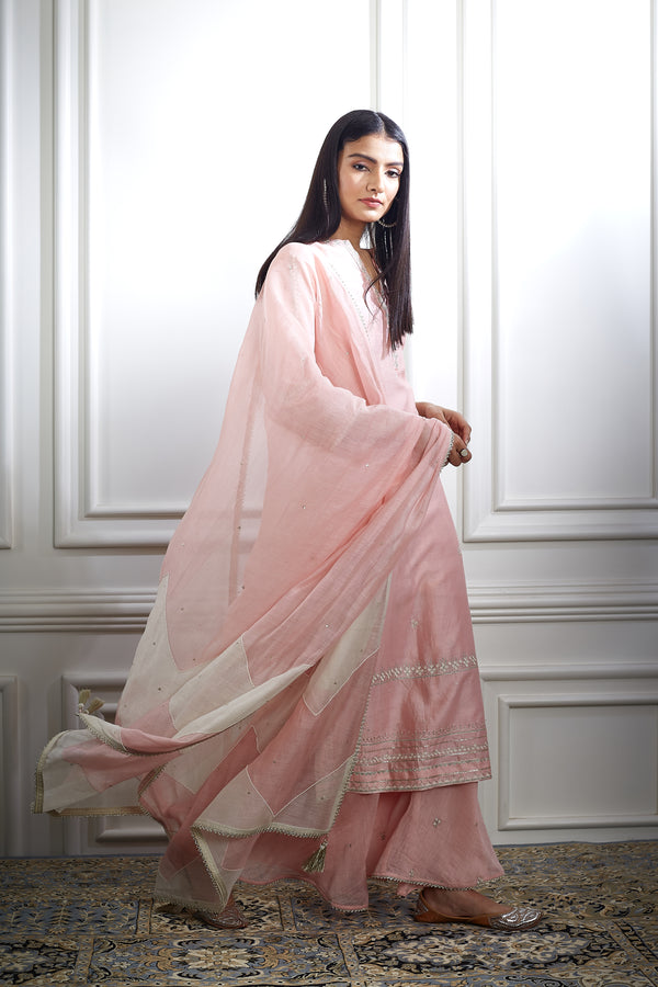 PEACH PINK AARI EMBROIDERED KURTA WITH CIRCULAR SHARARA AND DUPATTA