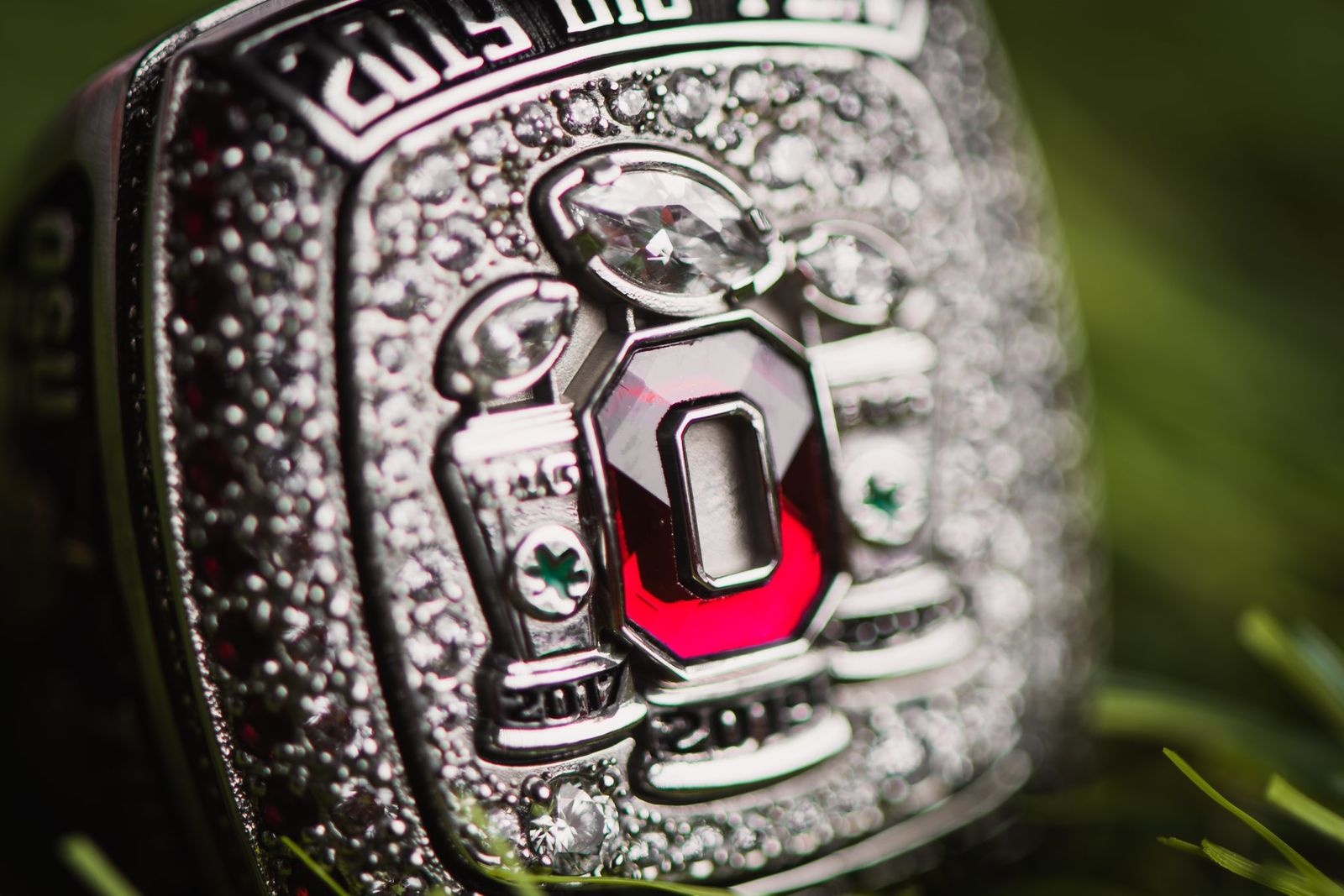 Ohio State unveils 2019 Big Ten Championship rings real pics