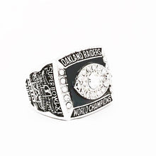 Load image into Gallery viewer, 1976 Oakland Raiders Super Bowl Championship Ring