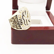 Load image into Gallery viewer, 1999 New York Yankees World Series Championship Ring