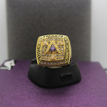 Load image into Gallery viewer, 2002 Los Angeles Lakers NBA Championship Ring - Premium Series - foxfans.myshopify.com