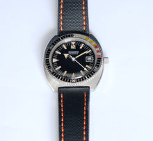 Load image into Gallery viewer, Tevomatic vintage diver, 39mm, 1970s