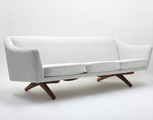 Illum Wikkelsø sofa model ML-140 for A/S Michael Lauresen, Denmark, 1950s