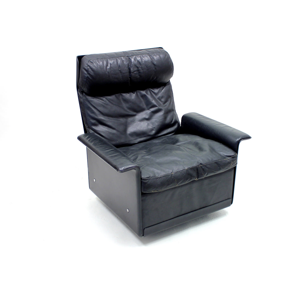 Dieter Rams, black leather lounge chair model 620, Vitsœ, 1970s
