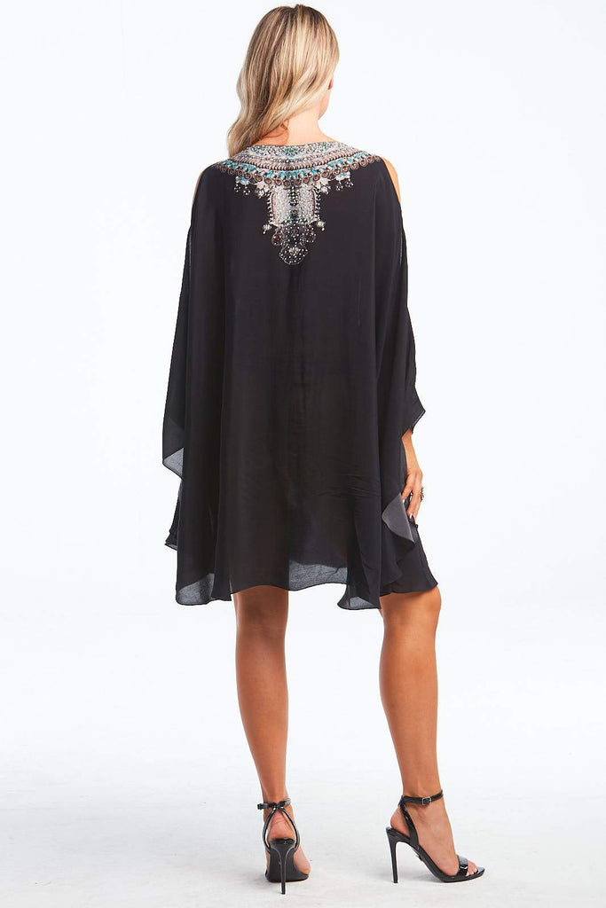 https://cdn.shopify.com/s/files/1/0858/0820/files/Alice_Kaftan_Dress.mp4?3900