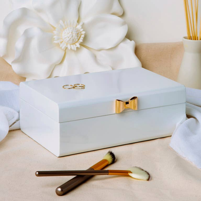 Ettie White Lacquer Jewelry Box