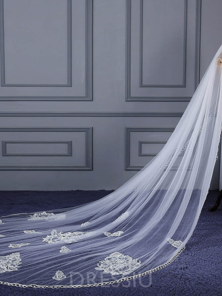 "One-Layer Appliques Royal(≥144"") Wedding Veil"