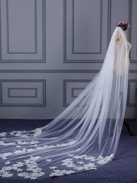 "Royal(≥144"") Lace Edge One-Layer Appliques Wedding Veil"