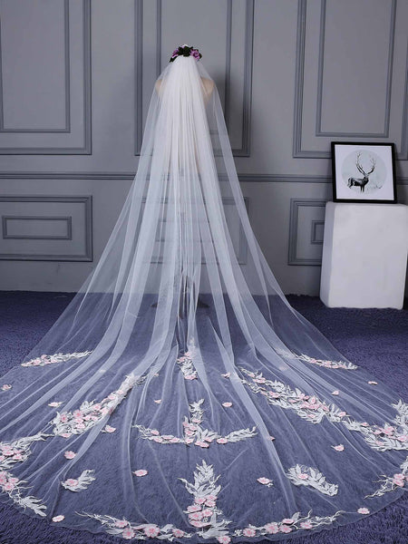 "Royal(≥144"") Appliques Cut Edge One-Layer Wedding Veil"