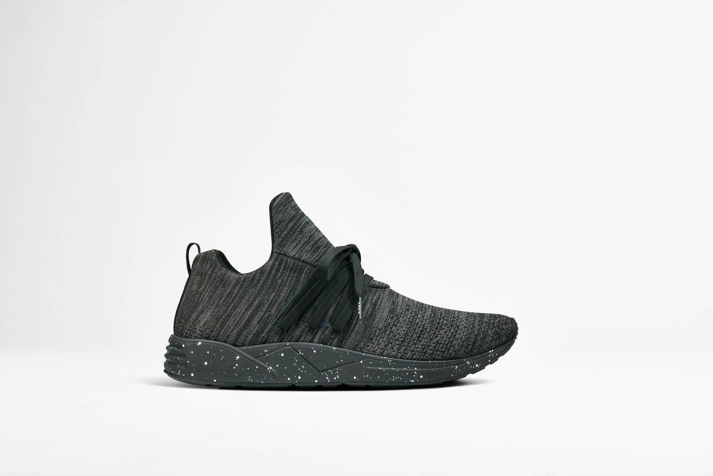 ARKK Copenhagen - Main Line Raven FG S-E15 Black Spray - Women Raven Black