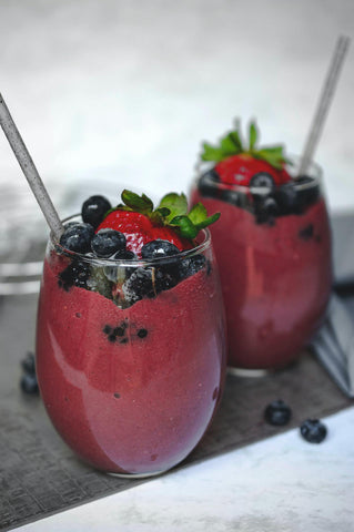 Healthy Berry Smoothie With Blueberries and Strawberries