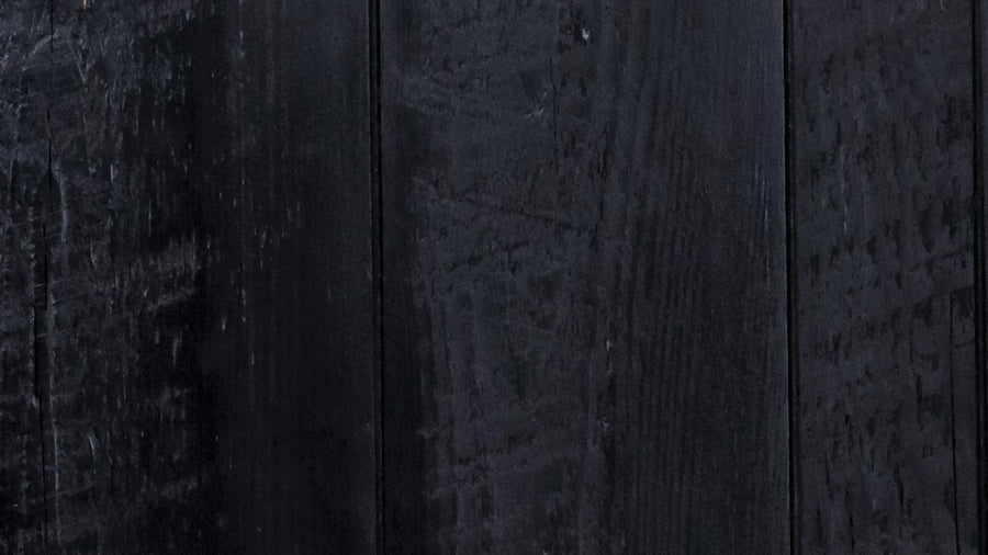 Wood Sample: Rough Sawn // Black