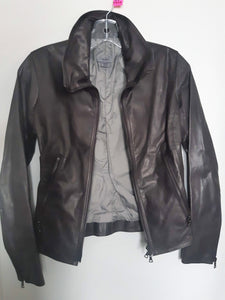 M0851 Women's Fitted Leather Jacket - Excellent Used Condition