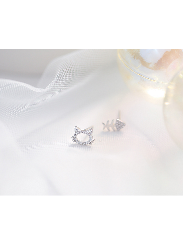 Modakawa Accessories Cat Fish 925 Sterling Silver Stud Earrings
