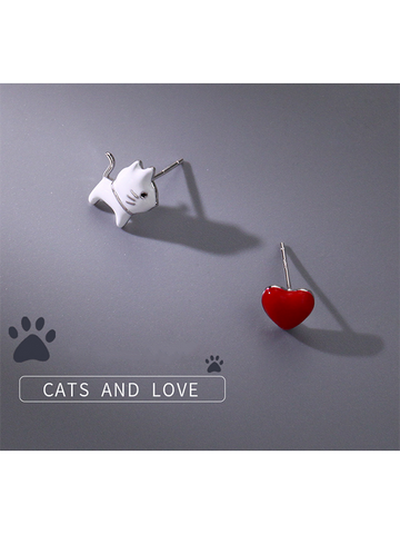 Modakawa Accessories Cat Heart Sterling Silver Stud Earrings