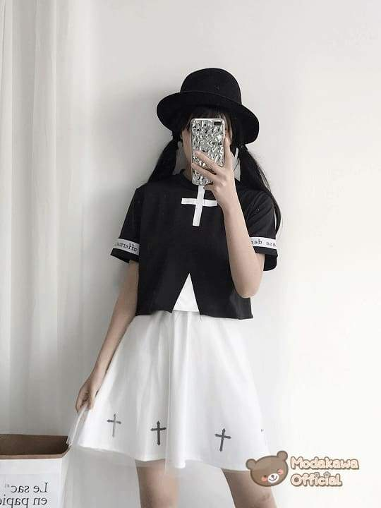 Modakawa Cosplay Cross Printed T-shirt & Skirt
