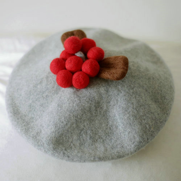 Modakawa Hat Gray / Children Christmas Red Fruit Woolen Beret