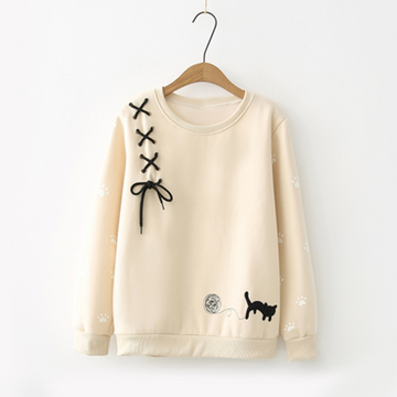 Modakawa Sweatshirt Beige / One Size Bow-Knot Kitty Yarn Ball Sweatshirt