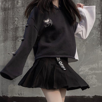 Modakawa Sweatshirt Black Hoodie / S Love Heart Print Color Block Hoodie Pleated Skirt Set