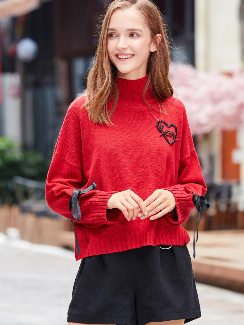 Modakawa Sweatshirt Love Heart Embroidery Strap Turtleneck Sweater
