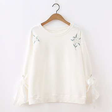 Modakawa Sweatshirt White / One Size Flower Embroidered Lace Sweatshirt