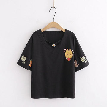 Modakawa T-Shirt Black / One Size Love Heart Cat Print Daisy V Neck T-shirt