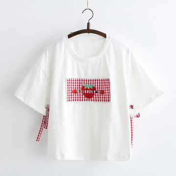 Modakawa T-Shirt White Strawberry Patch Bowknot T-shirt