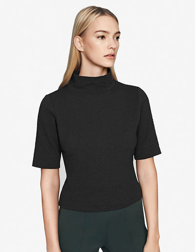 MOCK NECK SHORT SLEEVE TOP IN BLACK
