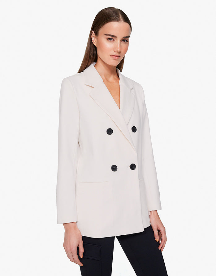 BOYFRIEND BLAZER IN CREAM
