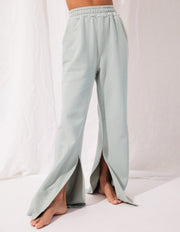 FAIRFAX SWEAT PANT IN GREEN LILY