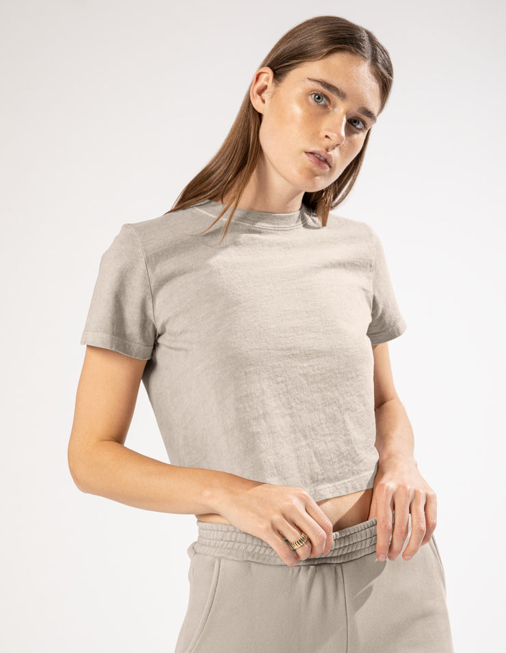 HAILEY CROPPED TEE IN DUNE