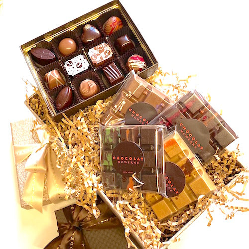 Gift Basket Grande No. 1 ~ Bonbons, Bars
