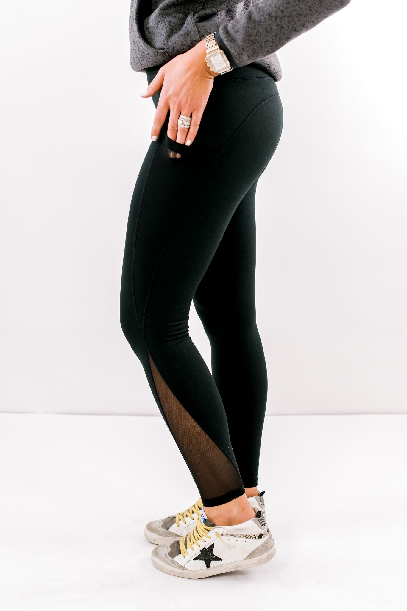 Black Activewear Leggings w/ Mesh Pocket