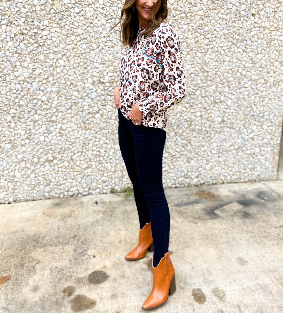 shop-style-your-senses-by-mallory-fitzsimmons-fall-collection-fall-paintbrush-animal-print-embroidered-top-womens-clothing-mom-fall-fashion