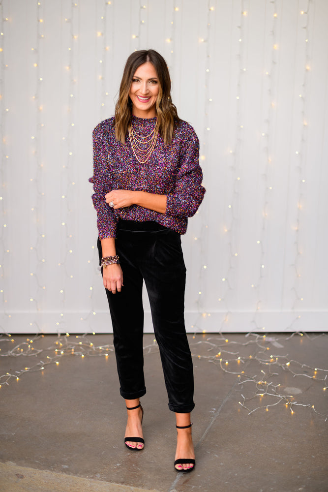 black-velvet-cropped-pants-velvet-joggers-velvet-trousers-layered-gold-necklace-glass-beaded-bracelets-holiday-launch-holiday-party-outfits-holiday-chic-shop-style-your-senses-by-mallory-fitzsimmons