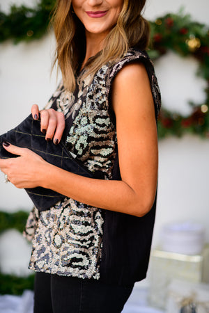 black-velvet-quilted-handbag-with-gold-stitching-sequin-top-holiday-party-outfit-holiday-launch-holiday-chic-shop-style-your-senses-by-mallory-fitzsimmons
