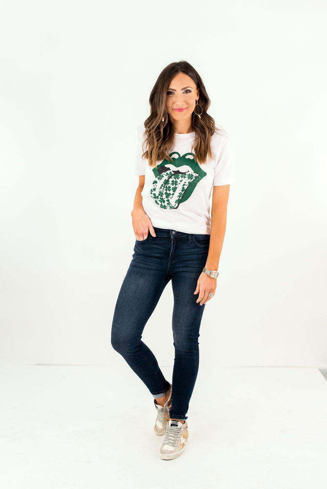 shop-style-your-senses-by-mallory-fitzsimmons-st-patricks-short-sleeve-graphic-tee-spring-summer-womens-affordable-fashion