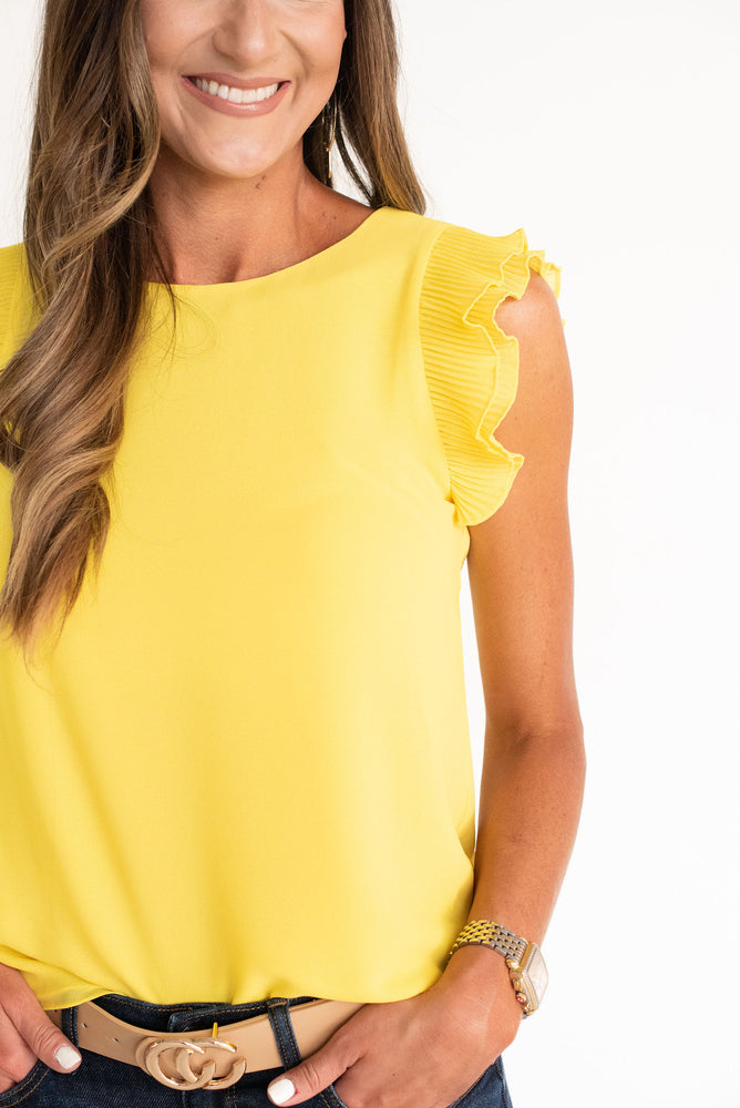 Yellow Pleated Ruffle Sleeve top, Kansas, LSU, Louisiana State, Iowa State, West Virginia, WVU, Missouri, Baylor, Oregon, Iowa, Michigan, Arizona State, ASU, Georgia Tech, yellow top, yellow tee, yellow game day top, gold game day top, style your senses, SEC, Big Ten, Big 12, game day outfit