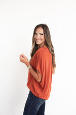orange V neck dolman tee, Florida, UFL, University of Florida, UT, Texas, University of Texas, OSU, Oklahoma State, Tennessee, Princeton, Miami, Clemson, Syracuse, orange tee, orange top, game day tee, game day top, orange game day tee, UT tee, tailgate outfit, game day outfit, style your senses, SEC, Big Ten, Big 12