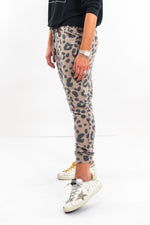 shop-style-your-senses-by-mallory-fitzsimmons-animal-print-joggers-leopard-cheetah-cozy-clothing-functional-mom-clothes-loungewear-holiday-uniform