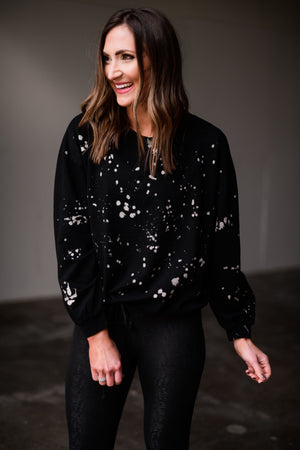 Load image into Gallery viewer, charcoal splatter paint pullover w/ drawstring bottom, black compression leggings, athleisure, shop style your senses by mallory fitzsimmons