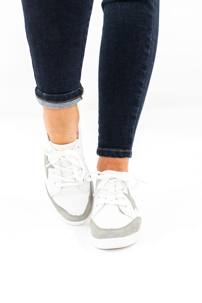 shop-style-your-senses-grey-lace-up-star-sneakers-fall-casual-motherhood-outfits-shoes-2019